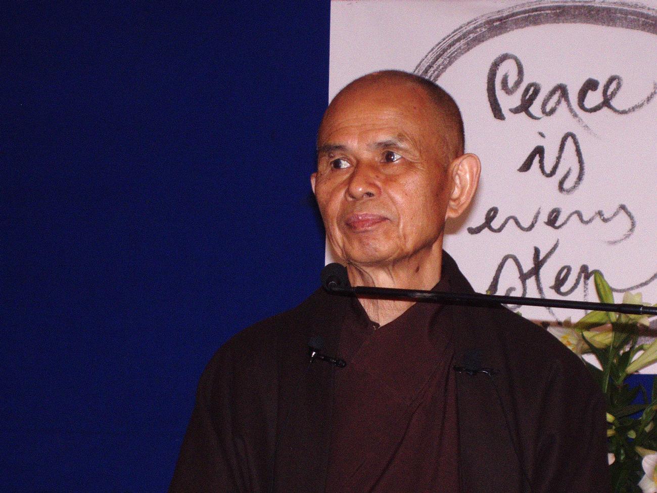Thich Nhat Hanh bei einem Vortrag